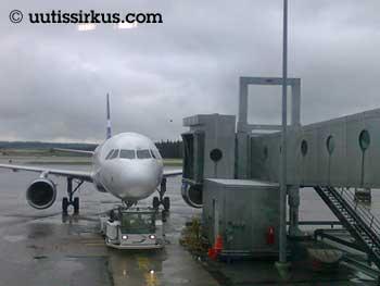 lentokone Helsinki-Vantaalla