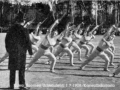sauvavoimistelijat voimistelevat vuonna 1908