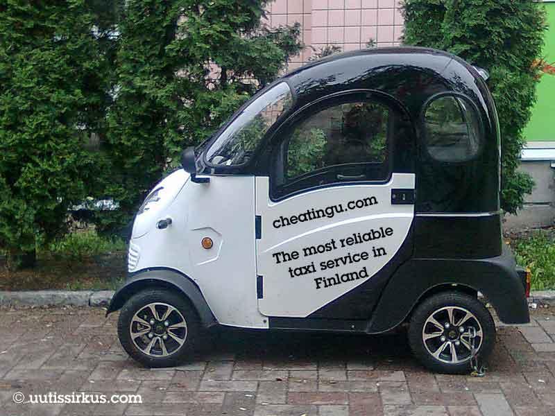 hytillinen sähkömopo, jonka kyljessä teksti: cheatingu.com the most reliable taxi service in Finland