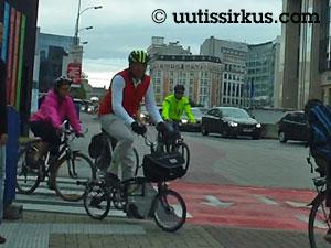 työmatkapyöräilijät kiirhtuvat Brysselissä