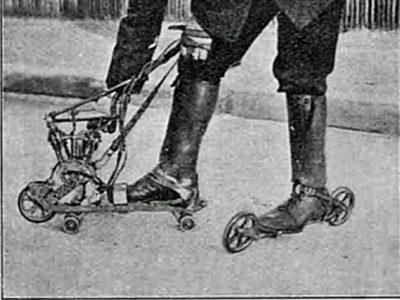 mihen jalassa rullaluistimet, joissa polttomoottori